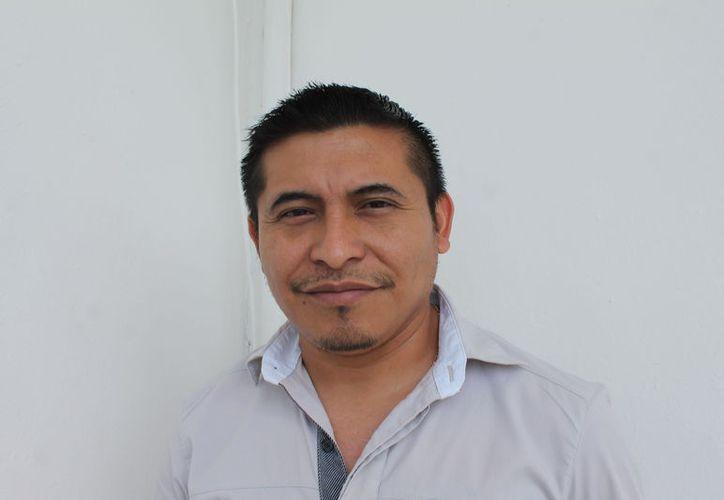 Carlos Alfaro Pech es el regidor de la fracción parlamentaria del PES. (Raúl Balam/SIPSE)