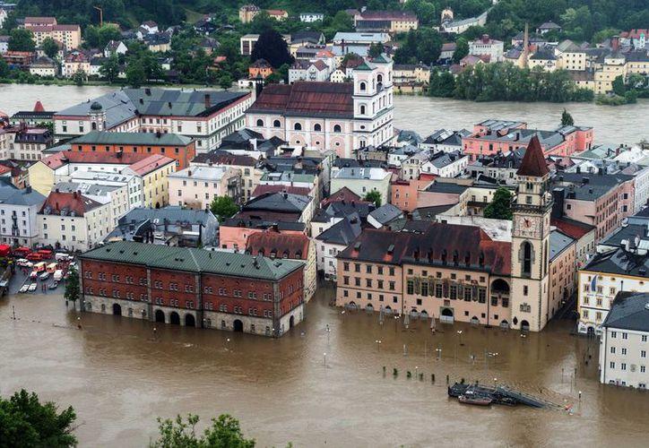 Partes de la ciudad de Passau inundadas por la crecida del río Danubio, en el sudeste de Alemania. (Agencias)