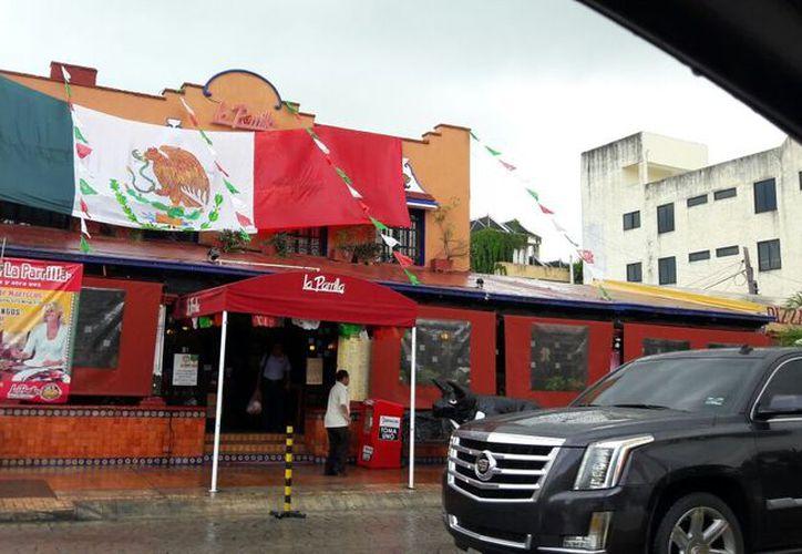 Uno de los negocios que fue víctima de los delincuentes, se ubica en la Yaxchilán. (Redacción)