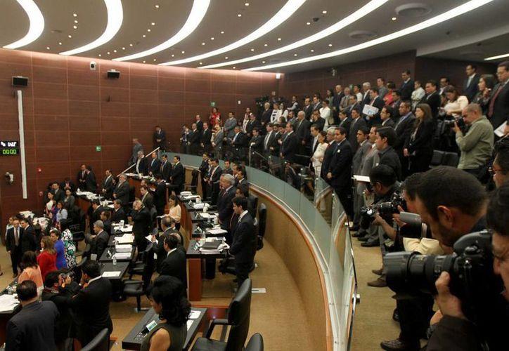Juntos el PRI, Verde Ecologista, Acción Nacional y Nueva Alianza conseguirían 99 votos. (Archivo Notimex)
