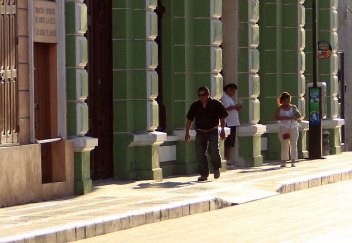 Evitan caídas en el centro de Mérida. (SIPSE)