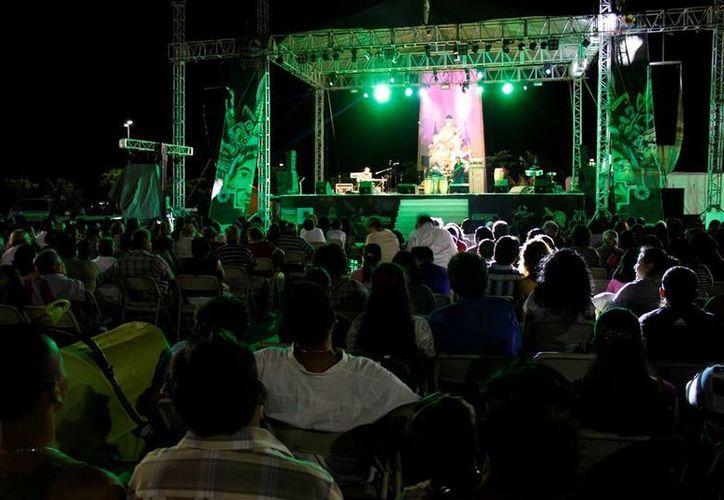 Artistas locales que participan año con año en el evento afirmaron que la autoridad no les ha comunicado noticias del festival. (Archivo/SIPSE)