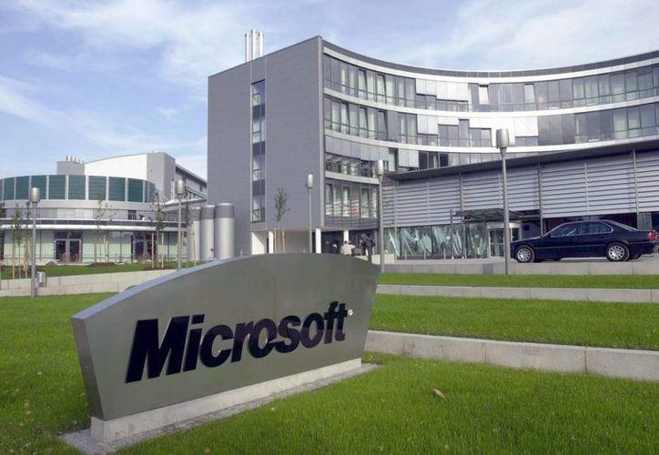 Microsoft anunció que Windows 10 será puesto en servicio dentro de unos meses como una mejora gratuita para usuarios de computadoras o dispositivos que cuenten actualmente con Windows 8.1 o 7. (Archivo/EFE)