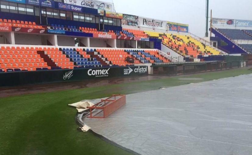 El campo fue protegido debido a las precipitaciones pluviales. (Raúl Caballero/SIPSE)