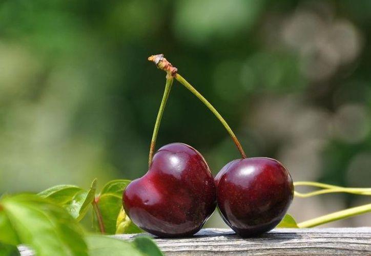 La cereza es rica en hidratos de carbono, principalmente en azúcares simples tales como la fructosa. (Pexels)
