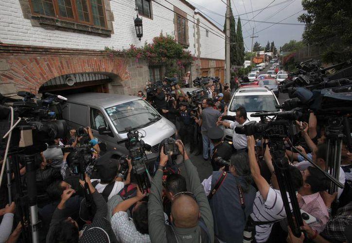 Finalmente el cuerpo de García Márquez no será velado en una funeraria, sino en un acto privado en su casa de la Ciudad de México. (AP)