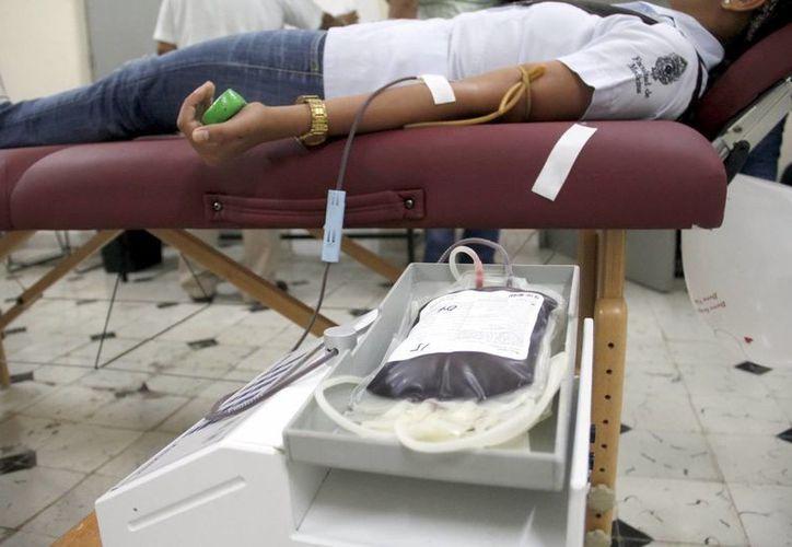 El sector salud y la asociación 'Doctor Sonrisa' se unen para invitar a la población para donar sangre. Imagen de contexto. (Milenio Novedades)