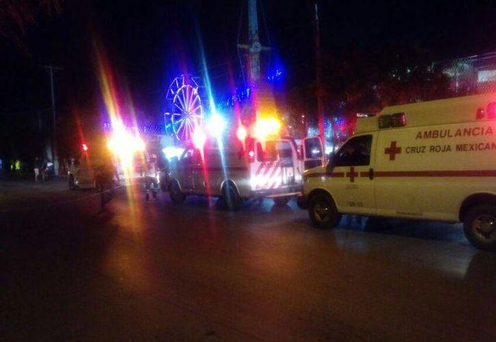 Cerraron la avenida Kabah por el reporte de disparos en la feria. (Foto: Redacción)