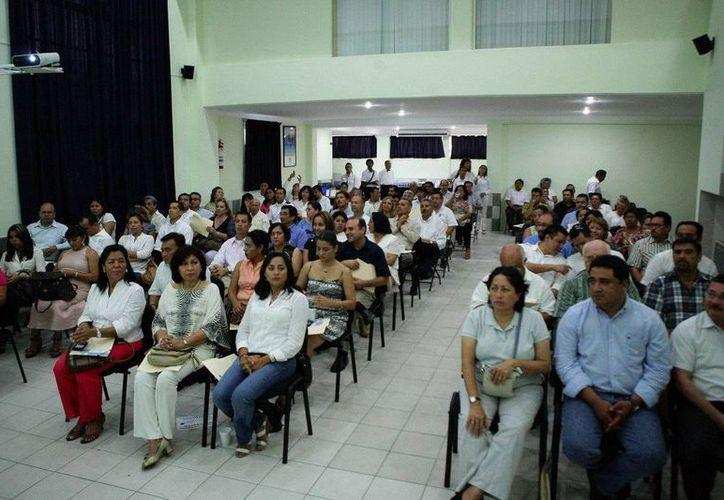 El curso se llevó a cabo en las instalaciones de la Iapqroo de Cancún. (Cortesía/SIPSE)