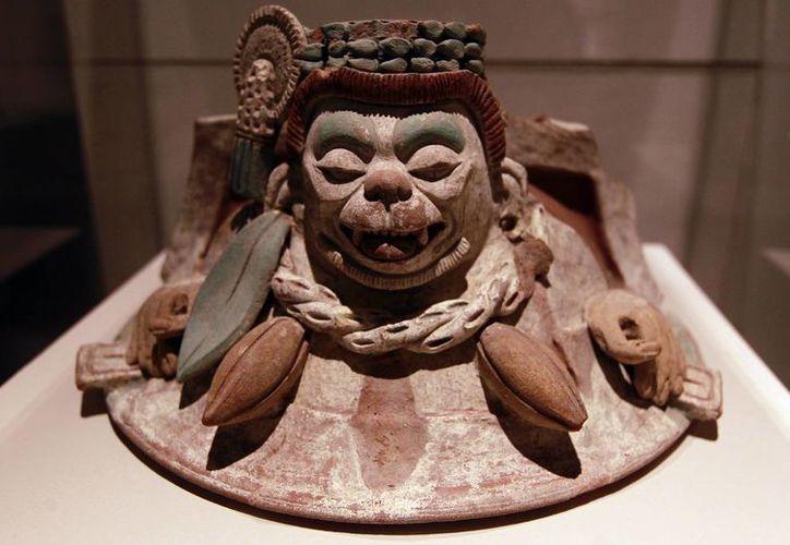 En Ticul, Yucatán, se hacen replicas exactas de arte maya que forman parte de colecciones de cerámica maya prehispánica en museos mexicanos y extranjeros. (Foto de contexto /Notimex)