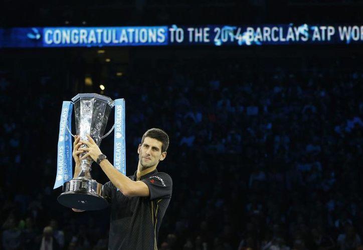 'Nole' ganó su tercera Copa Masters de forma consecutiva. (Foto: AP)