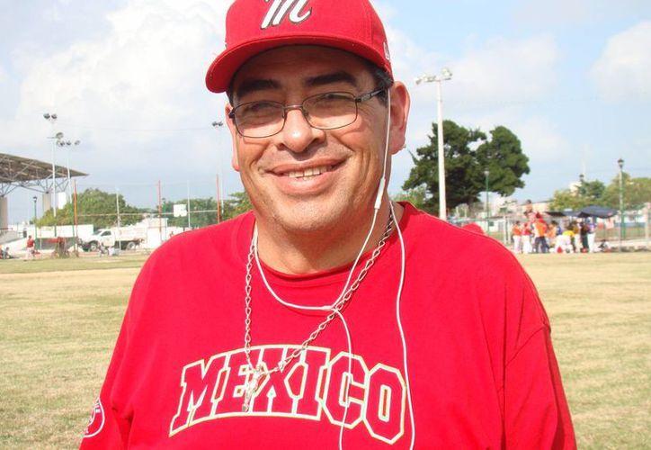 El director de operaciones de la región VI de Williamsport, Guillermo Alvarado Morales, anunció  la creación de la Liga Nacional de la Amistad. (Raúl Caballero/SIPSE)