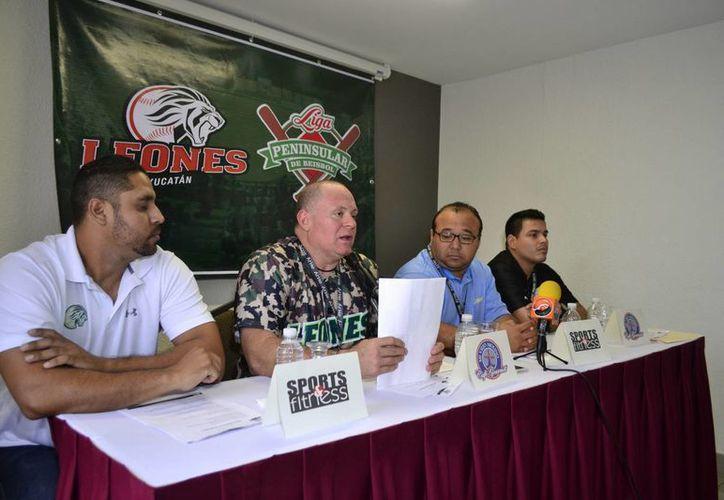 Juan Carlos Cañizales, director deportivo de Leones, anunció que el equipo mantendrá a casi el 80% del plantel de jugadores mexicanos.(Daniel Sandoval/Milenio Novedades)