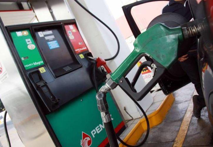 Como parte de la liberación, el precio de la gasolina se determina cada día. (Foto: Milenio Novedades)