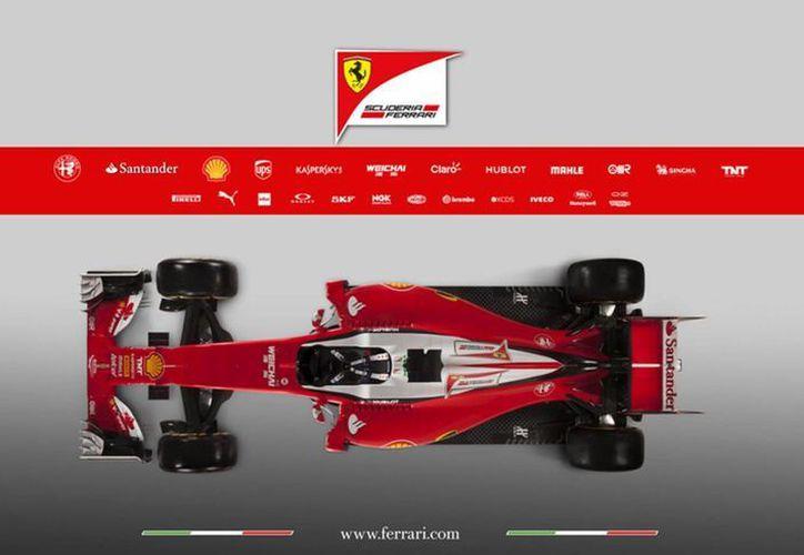 Imagen facilitada por la Oficina de Prensa de la escudería Ferrari, que muestra el nuevo modelo 'SF16-H' para la temporada 2016. (EFE)