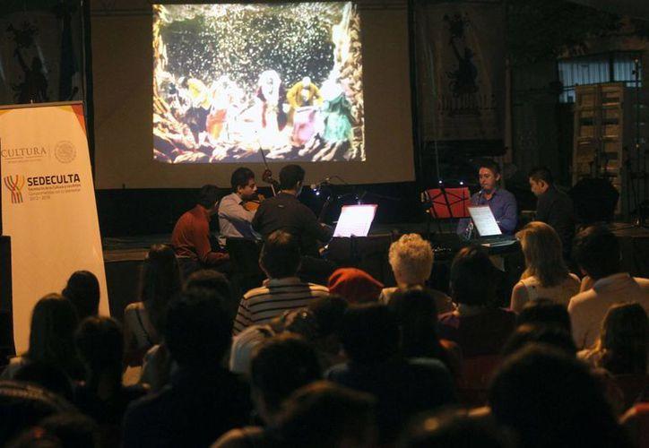 El Cuarteto de Cuerdas Musiké contribuyó a que el evento de la Alianza Francesa fuera muy especial. (Fotos: Amílcar Rodríguez/Milenio Novedades)