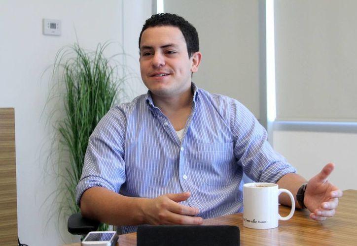 Imagen de Roberto López Pineda, director de RedCordel, quien explicó cómo funciona su proyecto y los beneficios que tendrá para Yucatán. (Milenio Novedades)