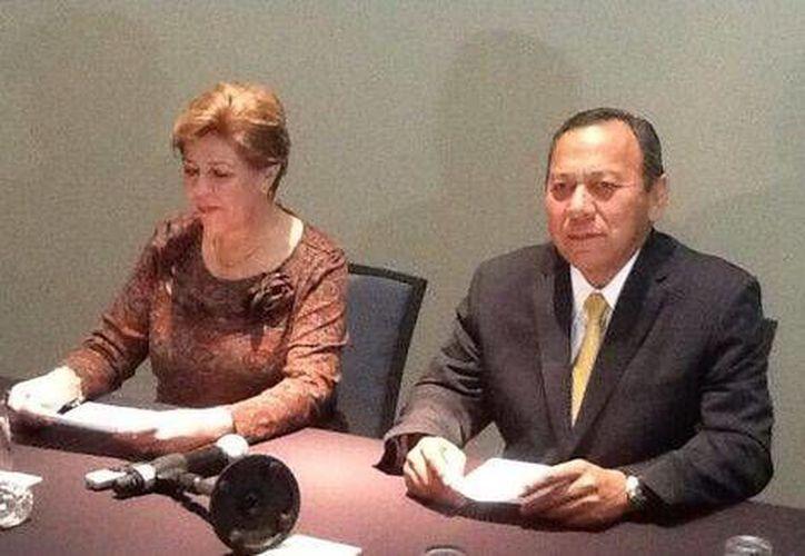 PAN y PRD llamaron a quienes apoyaron la reforma de 2013 a exigir su respeto puntual. (Twitter.com/@PRDmexico)