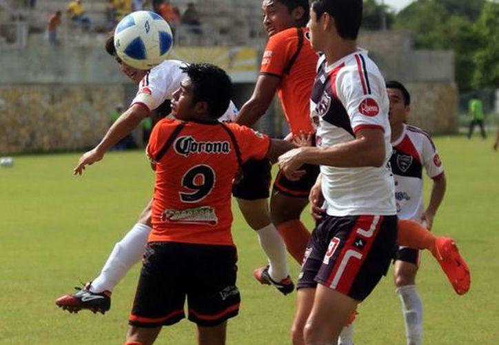 Los Potros vencieron 3-1 a los Mayas de Kopomá, con lo que obtuvieron su pase a la final. (Mauricio Palos/SIPSE)