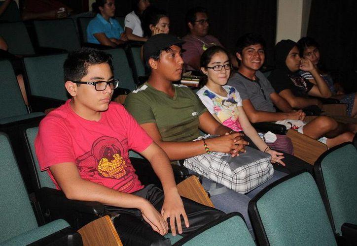 Los proyecciones se realizaron en centros educativos de Chetumal. (Redacción/SIPSE)