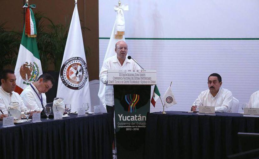 Renato Sales Heredia, comisionado nacional de Seguridad, dijo que es necesario evaluar a los agentes para saber si pueden actuar de acuerdo con la ley. (Notimex/archivo)