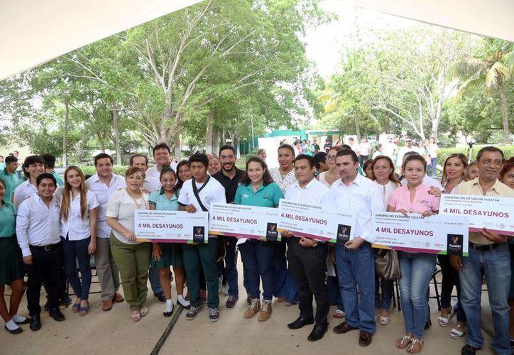 El programa 'Comedor Poder Joven', de la Sejuve, se implementará durante cuatro meses, de lunes a viernes. (Foto cortesía del Gobierno de Yucatán)