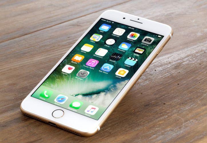 Si quieres aprender a cargar más rápido tu teléfono o mejorar su seguridad, sigue estos consejos. (BGR.com)
