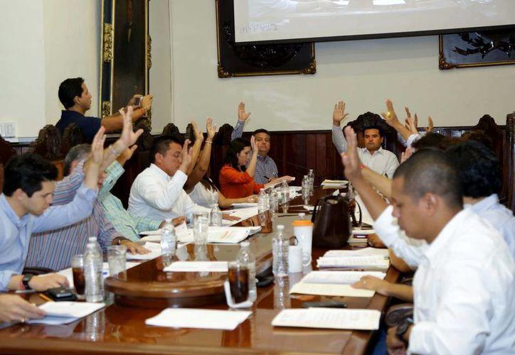 Regidores meridanos votan a favor del programa de apoyo 'Impulso Empresarial Joven'. (SIPSE)
