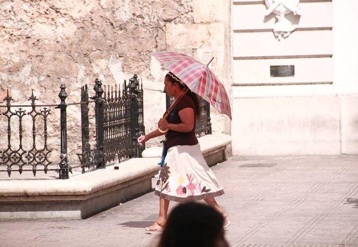 La temperatura más alta de ayer alcanzó los 32 grados centígrados, de acuerdo con los registros de la Conagua. Para hoy se espera una máxima de 37 grados. (Jorge Acosta/Milenio Novedades)
