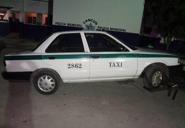 La unidad fue recuperada luego de que los pasajeros tomaron posesión de él. (Redacción/SIPSE)