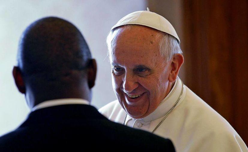 El Vaticano pensó que debía pasar un tiempo para que Bergoglio se acostumbrase a los hábitos de un rol tan importante como el del Pontífice. (Agencias)
