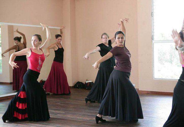 Hoy finalizan las actividades de los 17 talleres que se imparten en la Casa de la Cultura. (Redacción/SIPSE)