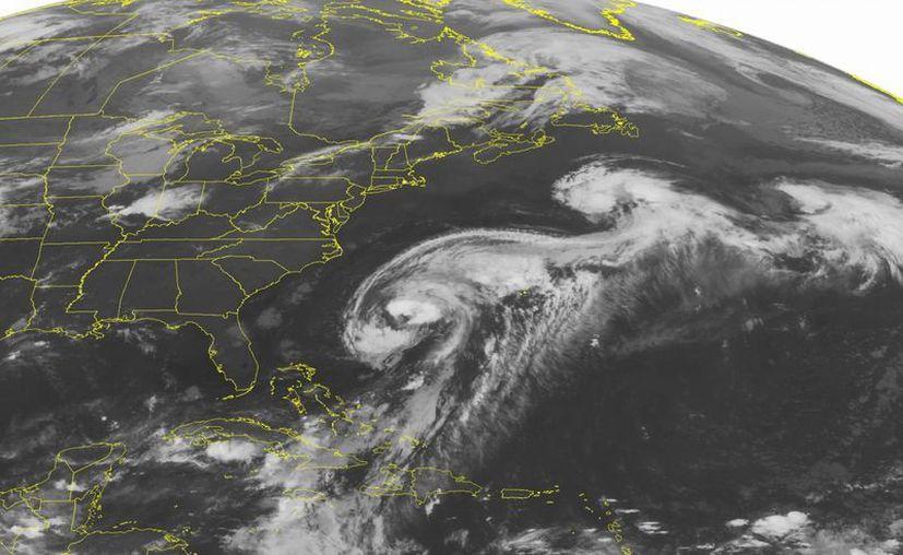 Imagen de satélite del Centro Nacional de Huracanes, que muestra el desplazamiento esta mañana del huracán Cristóbal en el Atlántico Norte. (NOAA)