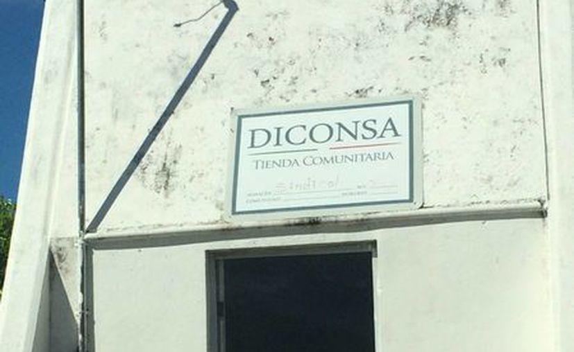 En 2013 Diconsa logró vender 152 millones de pesos en sus diferentes productos, a través de las 334 tiendas del estado. (Harold Alcocer/SIPSE)