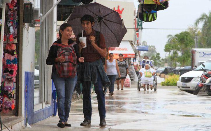 Las lluvias han provocado temperaturas calurosas durante el día y noche en Chetumal.  (Foto: David de la Fuente/SIPSE)