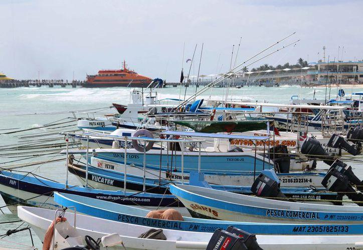 """""""Paralizan"""" las embarcaciones de la cooperativa turística del Mar Caribe. (Octavio Martínez/SIPSE)"""