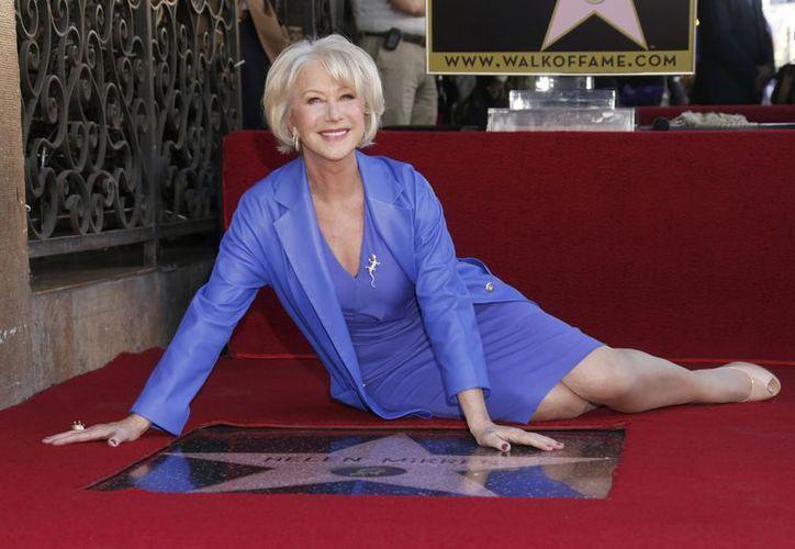 """Helen Mirren ganó el Oscar a la mejor actriz en 2006 por su interpretación de la reina Isabel II de Inglaterra en """"The Queen"""". (Agencias)"""