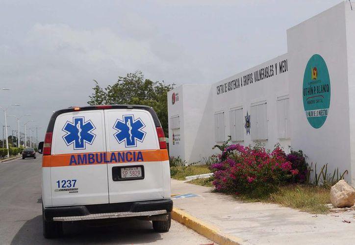 La mujer fue trasladada a la clínica del IMSS en Chetumal. (Redacción/SIPSE)