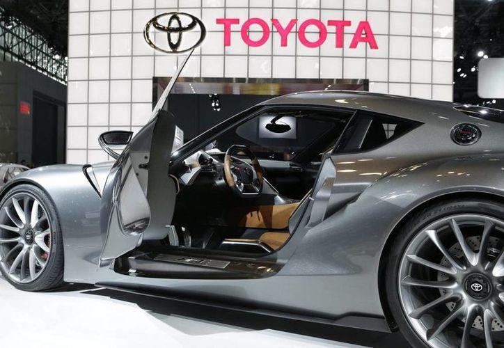En la imagen, vista del Toyota FT-1 durante el Salón del Automóvil de Nueva York. (EFE)