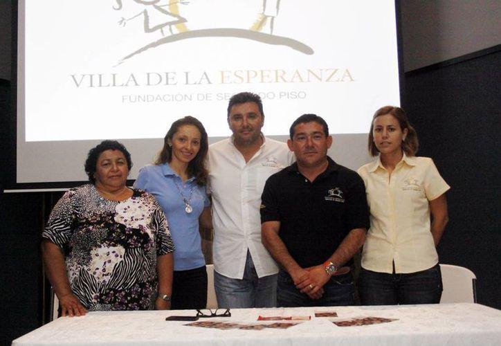 Integrantes de la Fundación Villa de la Esperanza. (Christian Ayala/SIPSE)