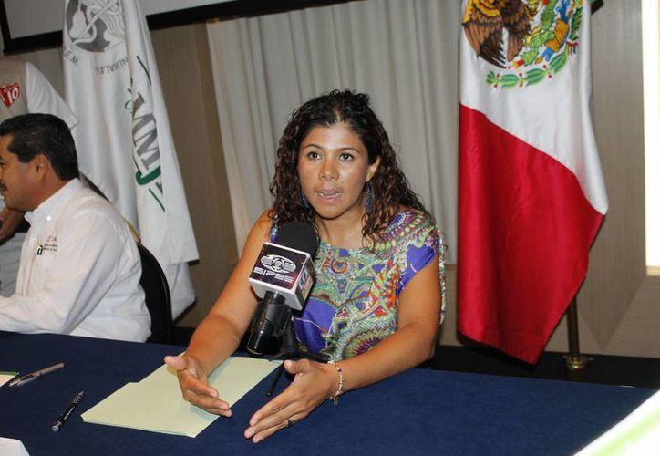 Leslie Hendricks Rubio, dijo que la Ammmje Cancún tiene afiliadas a 70 mujeres cancunenses. (Jesús Tijerina/SIPSE)