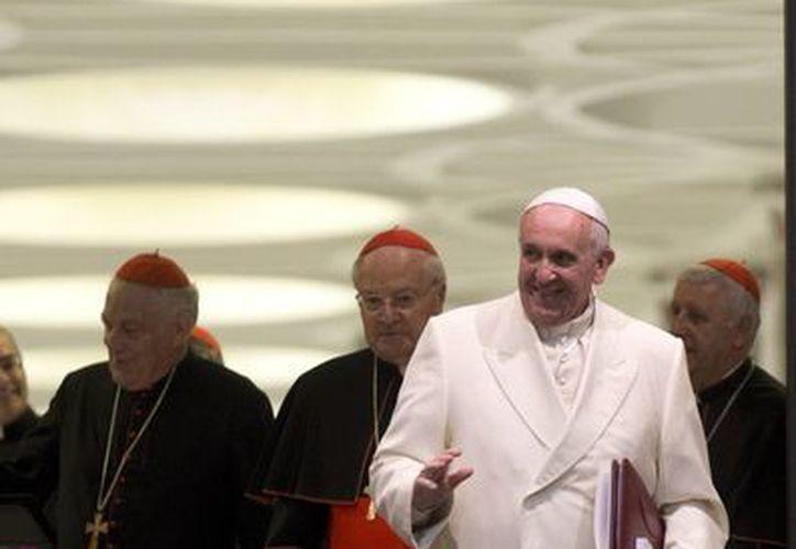 El Papa Francisco ha sostenido una serie de reuniones con cardenales y consultores para analizar la estructura económico-financiera del Vaticano. (Agencias)