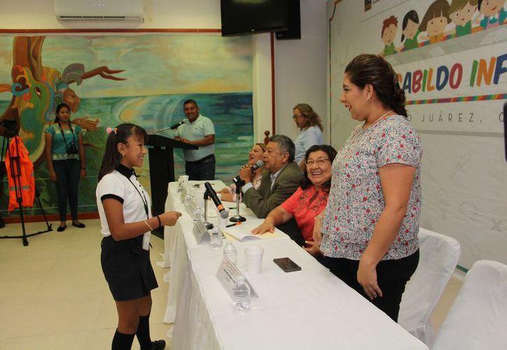 Miranda ganó su lugar en el V Cabildo Infantil con un discurso sobre los derechos de los menores. (Foto: Verónica Fajardo/SIPSE)
