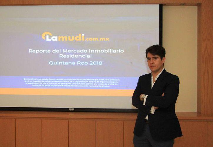 El director de mercadotecnia de Lamudi, presentó el comportamiento en la venta de viviendas. (Paola Chiomante/SIPSE)