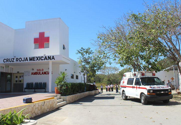 El equipo de Juventinos de la Cruz Roja, convoca a los adolescentes a unirse a los cursos gratuitos. (Foto: Daniel Pacheco)
