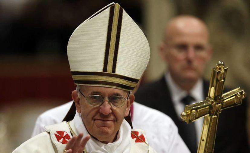"""Al buen sacerdote se le puede reconocer por cómo """"anda su pueblo"""": Papa. (Agencias)"""