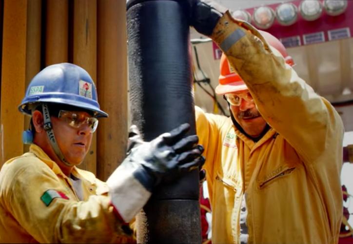 Pemex también agradeció a todos los trabajadores por el esfuerzo que conlleva el plan contra el robo de combustible. (Internet)