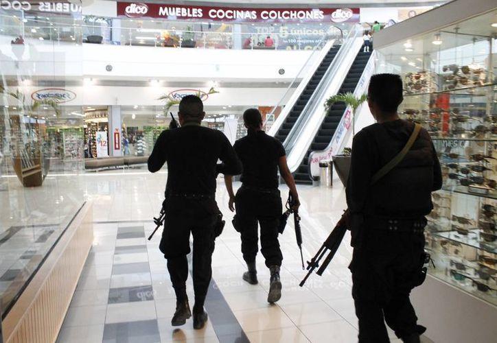 Tratan de mejorar los programas de seguridad para disminuir los delitos en Quintana Roo. (Israel Leal/SIPSE)