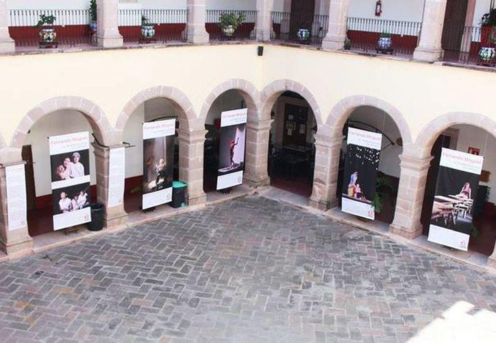 La exposición 'Una mirada amorosa a lo efímero' del fallecido fotógrafo yucateco Fernando Moguel se presenta en Aguascalientes. (Milenio Novedades)