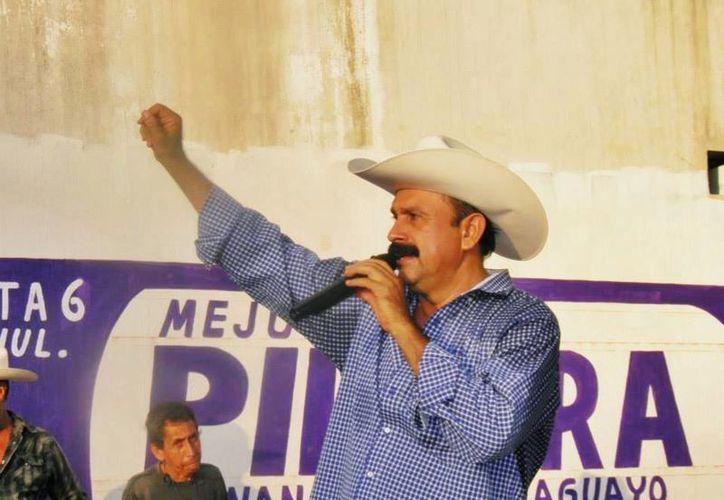 Hilario Ramírez gobernó en 2008 bajo las siglas del PAN y reconoció que robó 'poquito'. (Facebook Hilario Ramírez Villanueva - Layin)
